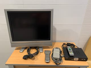 LCD Sharp Aquos 20 pulgadas y decodificador Axil
