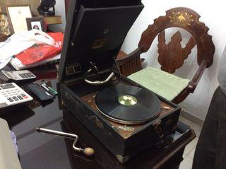 Gramófono y 10 discos