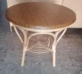 OFERTA! Mesa redonda mimbre tapa madera.