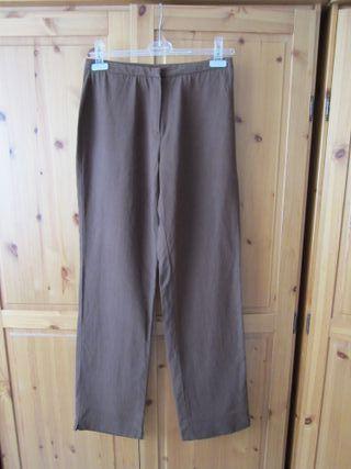 Pantalón tipo chino marrón Síntesis