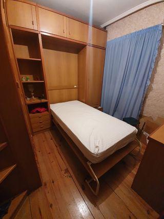 se regala armario completo con cama empotrada