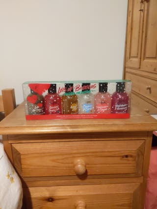 Miniature bath and shower cream collection