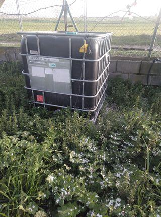depósito de 1000 litros