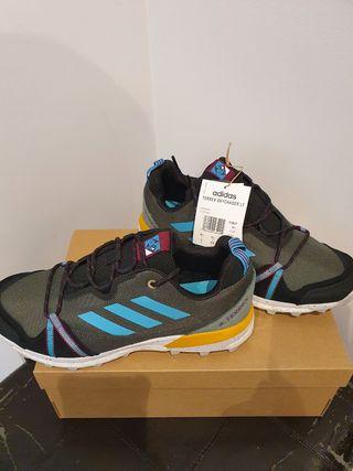 Zapatillas Adidas Terrex Skychaser. 42.5. NEW 140