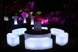 Muebles con luz para locales de copas