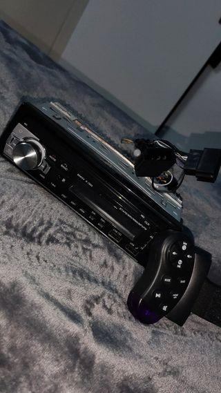 Radio bluetooth para coche + mando inalámbrico