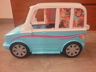 Autocaravana perritos barbie.