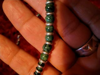 collar de plata y piedras antiguo