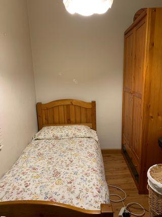 Conjunto cama y armario madera maciza