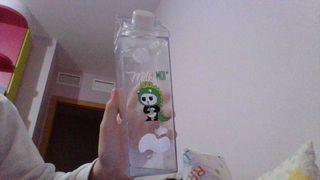 botella de plastico reutilizable