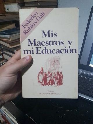 3 x 2 Mis maestros y mi educación, libro