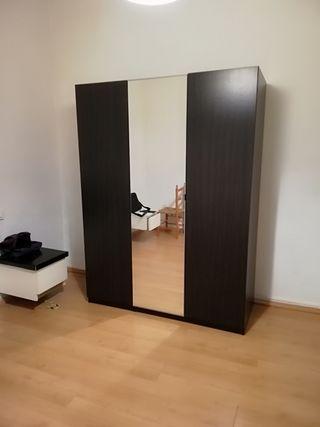 Armario PAX 3 puertas con espejo