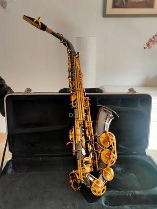 Saxofón Gear4Music