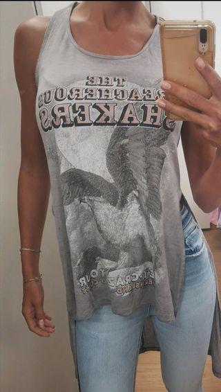 camiseta de tirantes. larga. bershka. talla XS