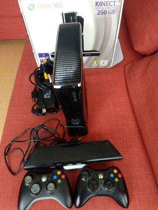 Xbox 360 + 2 mandos+ kinect+cables