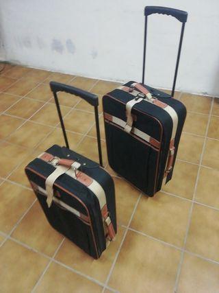 juego dos maletas