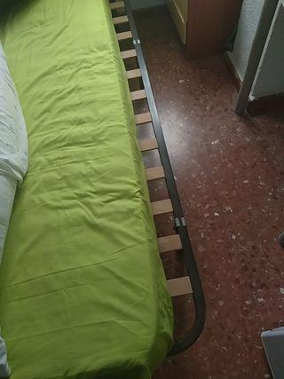 Sumier + colchón + mesita de noche