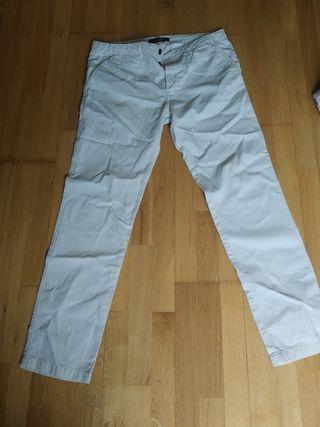 Pantalón Zara chino color blanco piedra