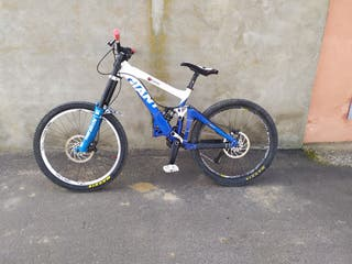 Bici Giant Glory DH