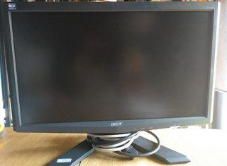 """Monitor ACER 18"""" + teclado y ratón."""