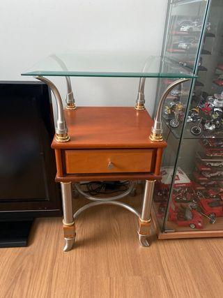 Mesa auxiliar con cristal