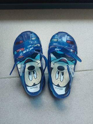 Sandalias de agua Mickey 24