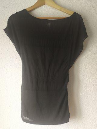 Top camiseta negra semitransparente Stradivarius