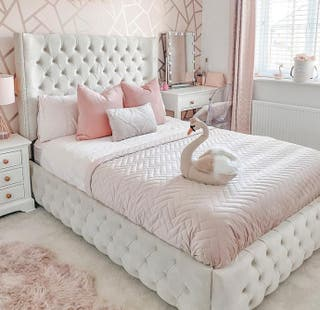 Luxurious Wingback Bed For Sale!!!