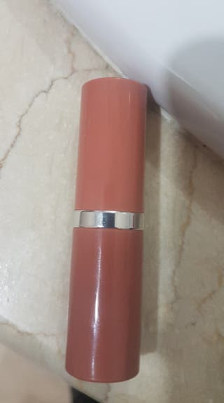 Barra de labios Clinique. Precio original 26.50 eu