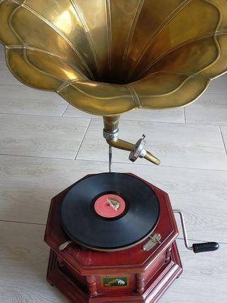 Réplica gramófono antiguo