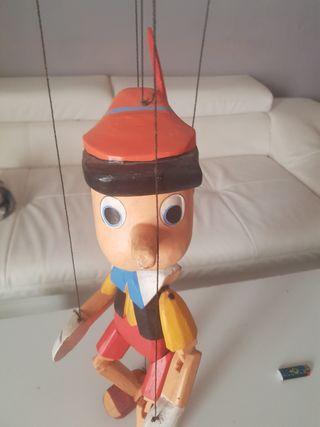 Pinocho de madera, leer descripción.
