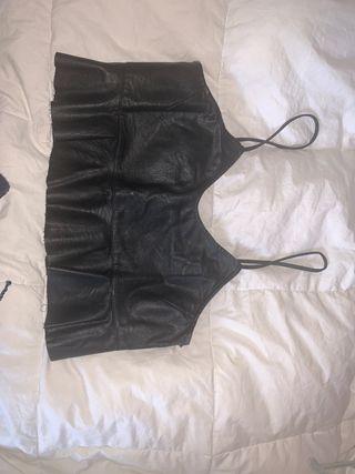 Top cuero negro Zara (prácticamente nuevo)