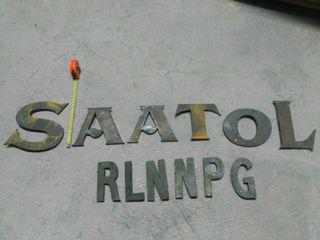 letras de bronce, decoración