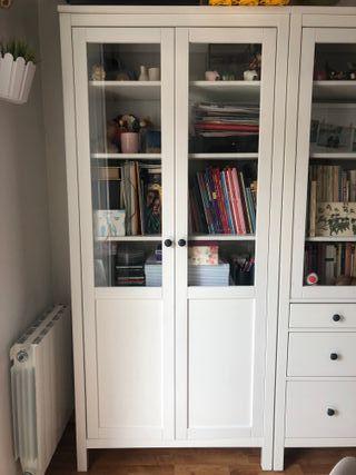 Estantería HEMNES con puertas - Ikea