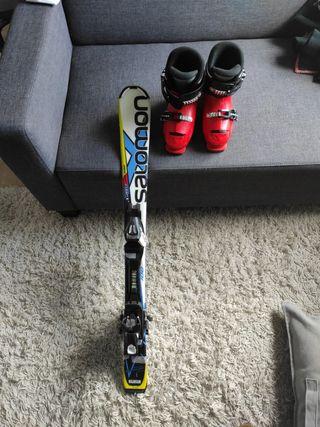 esquís y botas esquí niño