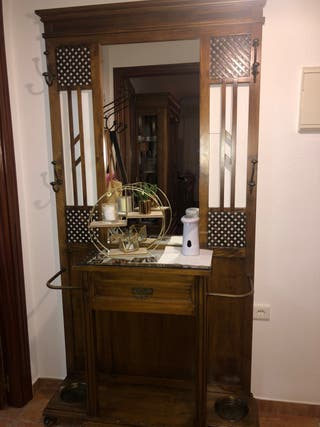 Conjunto de muebles de madera de roble