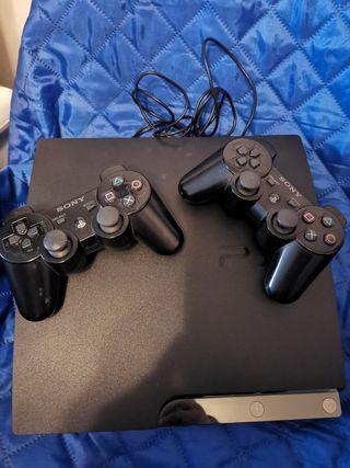 PS3, con 2 mandos, 14 juegos