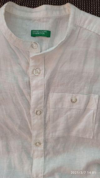 camisa blanca de lino Benetton.