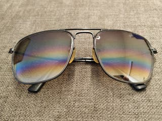 Gafas de sol degradadas retro