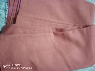 colcha. color rosa. sin fleco