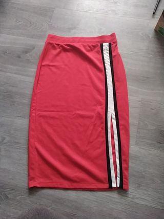 Falda larga con pierna abierta