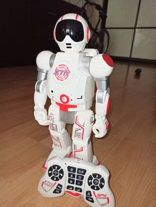 World Brands Xtrem Bots-Spy BOT-Robot Control Remo