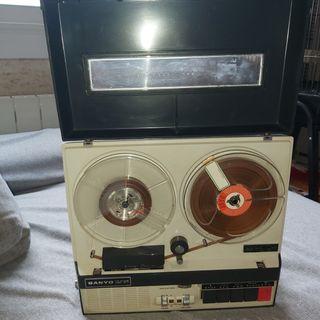 grabadora antigua sanyo