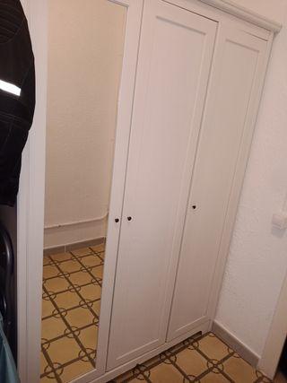 armario con espejo