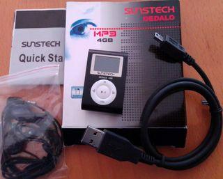 MP3 de 4GB, radio FM, grabadora de voz y radio.