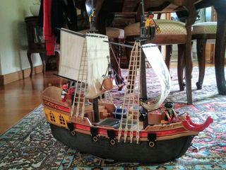 Barco e isla de piratas de playmobil