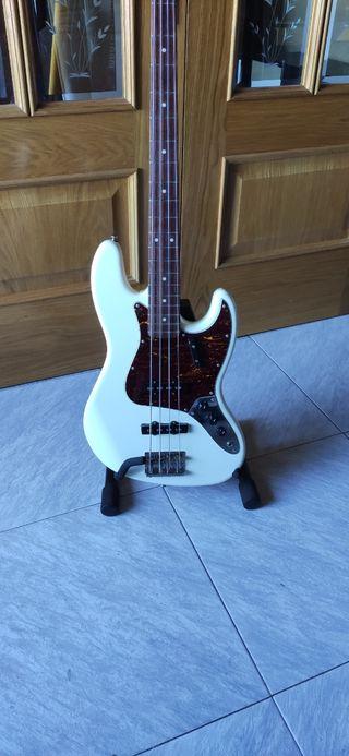 Classic Vibe Jazz bass 1a Generación Squier