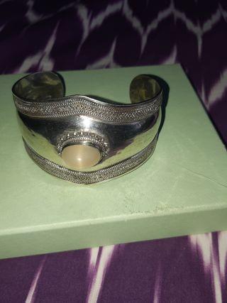brazalete plata con piedra natural cuarzo