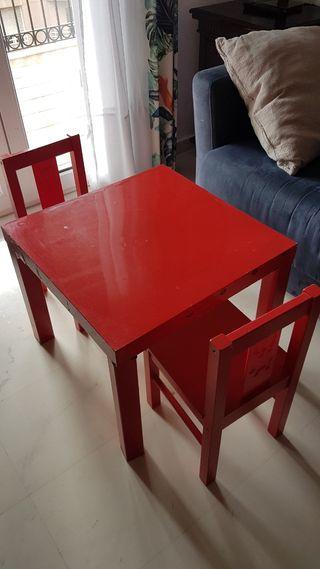 mesa y 2 sillas