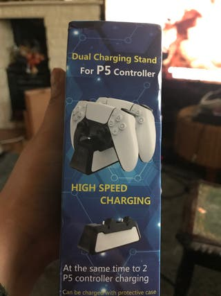 PS5 dual charge dock